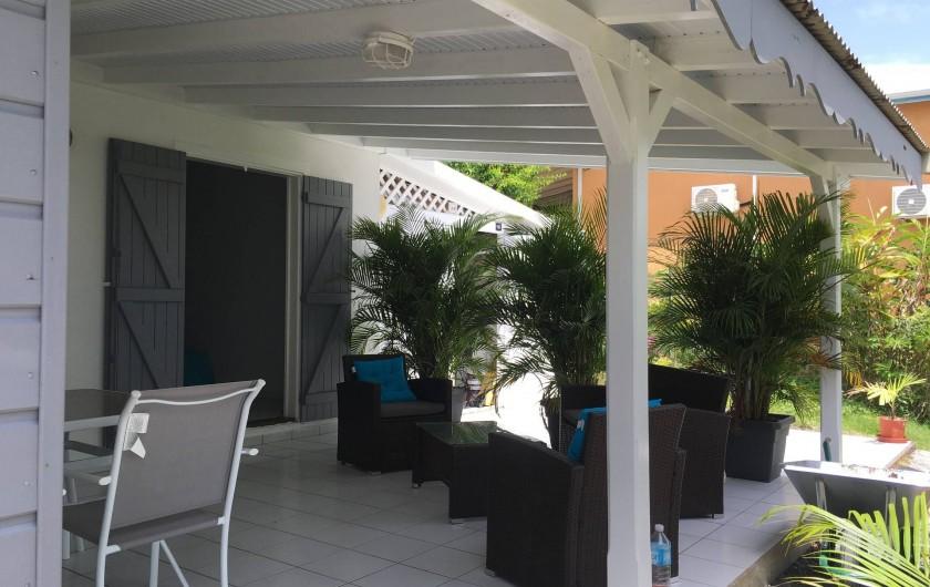 Location de vacances - Gîte à Sainte-Anne - terrasse deuxième gîte