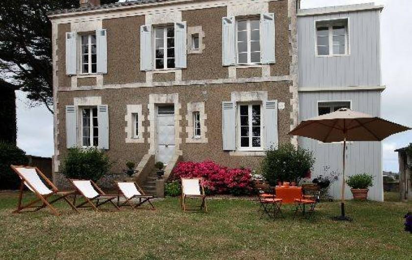 Location de vacances - Villa à Pornichet - Façade Est, vue sur jardins et arbres centenaires