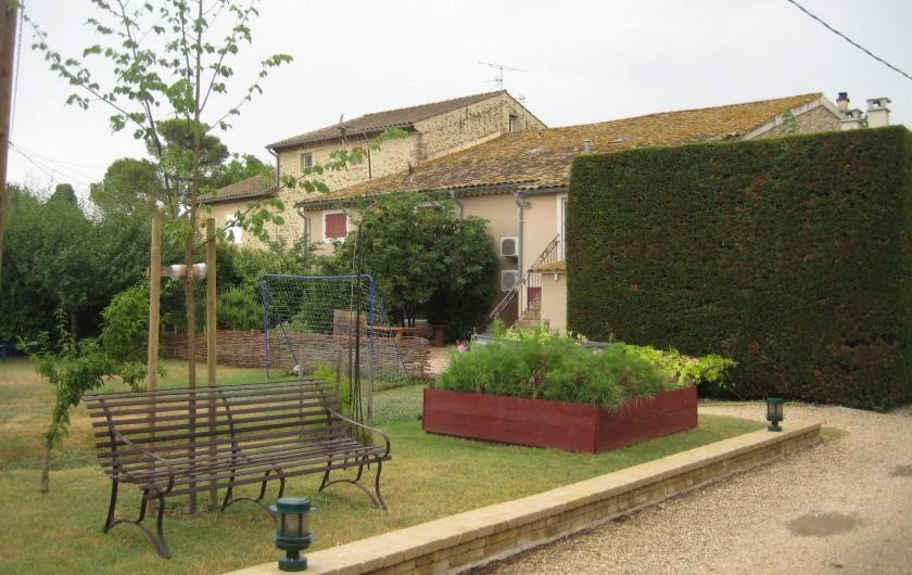 Location de vacances - Appartement à Courthézon - espaces verts