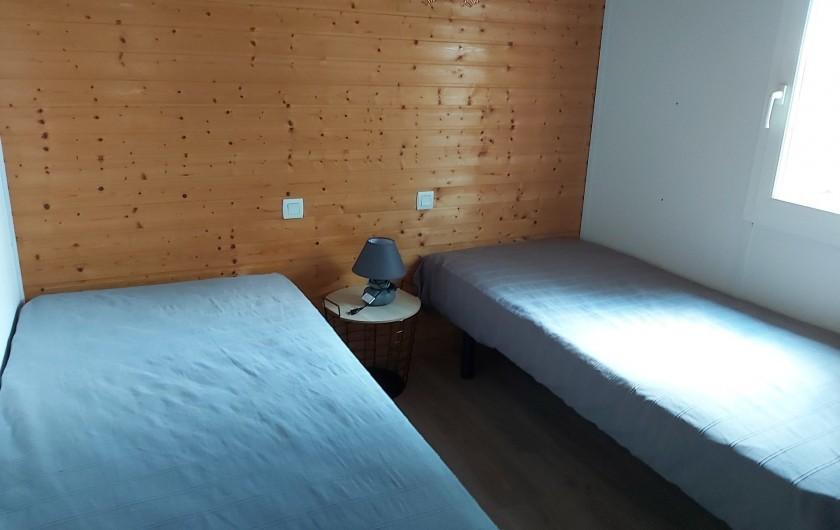 Location de vacances - Chalet à Agde - chambre avec deux lit 190x90