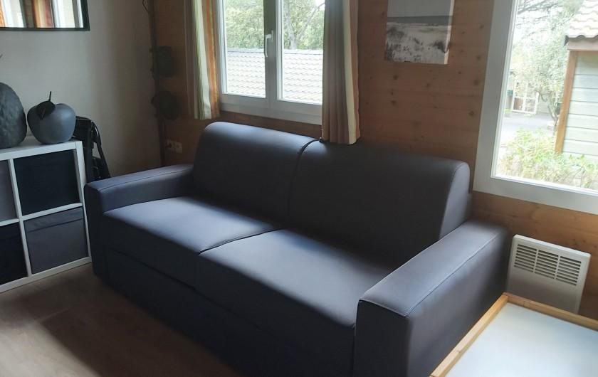 Location de vacances - Chalet à Agde - canapée rapido  couchage pour deux personne