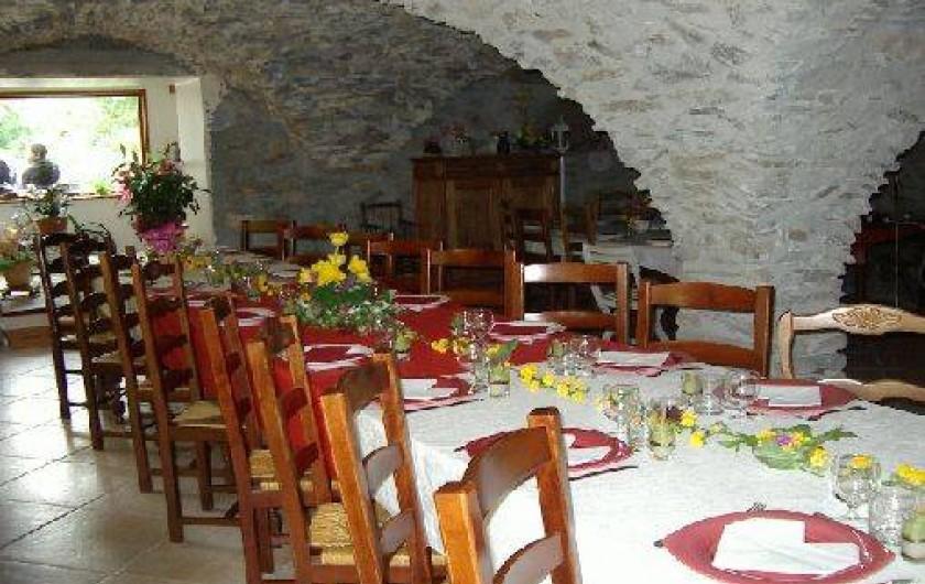 Location de vacances - Gîte à Saint-Clément-sur-Durance - Salle à manger voûtée 70 m²