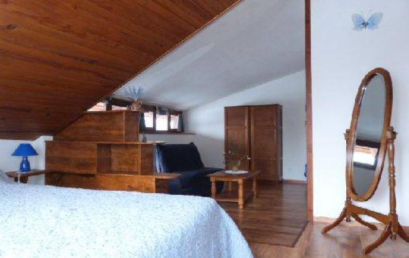 Location de vacances - Gîte à Saint-Clément-sur-Durance - Chambre Ancolie