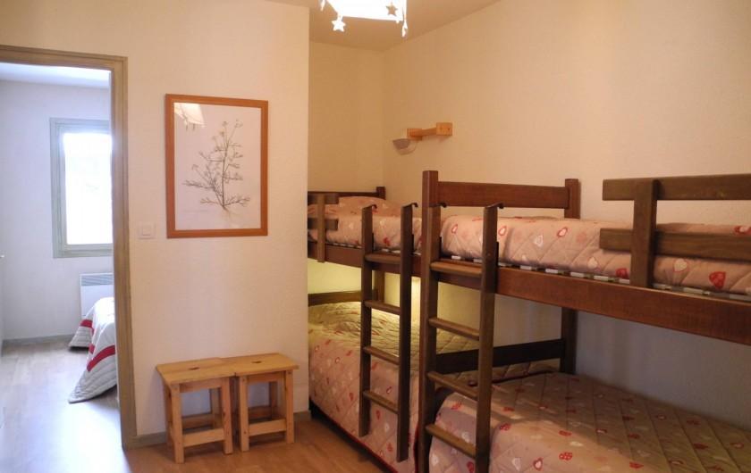 Location de vacances - Appartement à Mijoux - espace pour les enfants