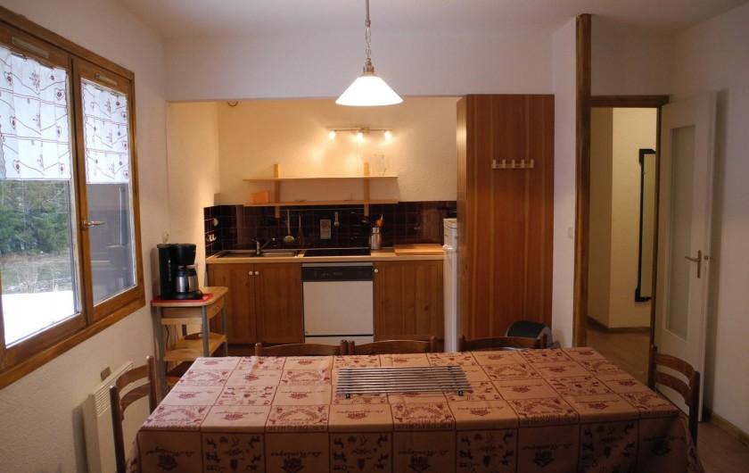 Location de vacances - Appartement à Mijoux - sejour cuisine