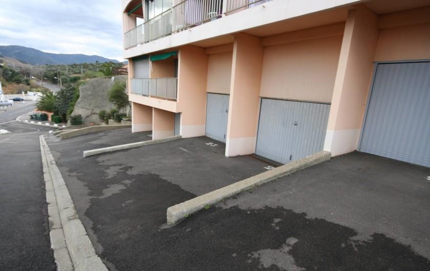 Location de vacances - Appartement à Banyuls-sur-Mer - Parking simple inclus ou garage en sus avec parking