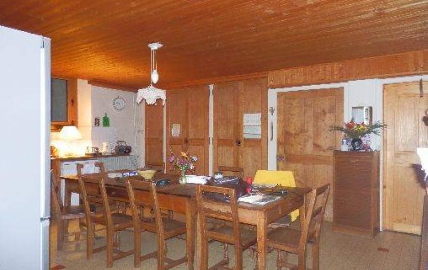 Location de vacances - Appartement à Saint-Nicolas de Véroce - Cuisine-salle à manger