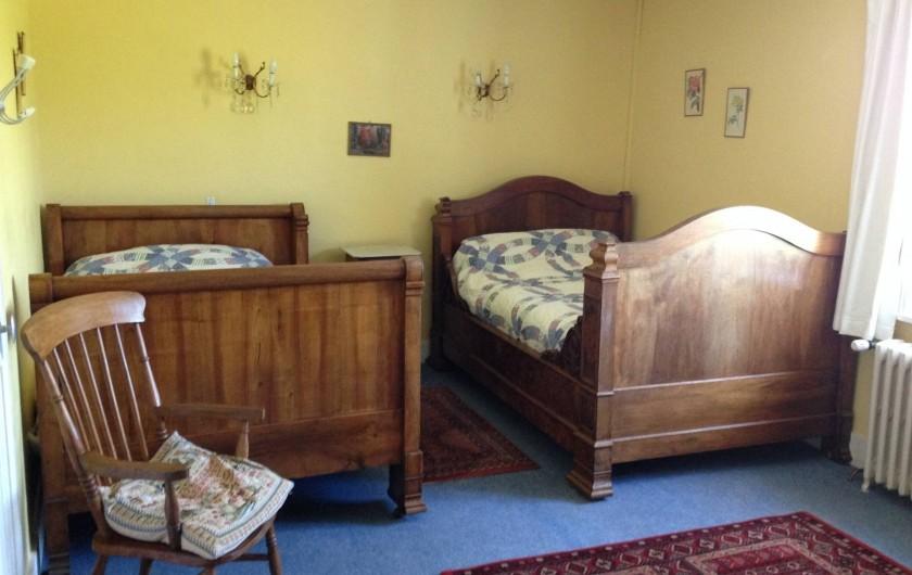 Location de vacances - Maison - Villa à Saint-Étienne-des-Oullières - Yellow room - air-conditionné reversible