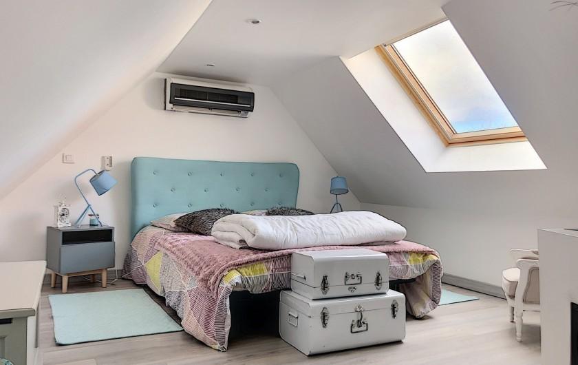 Location de vacances - Chambre d'hôtes à Villechétif - SALLE DE BAIN BLANCHE