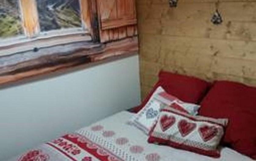 Location de vacances - Appartement à Les Deux Alpes - grande cabine avec canapé convertible ouvert