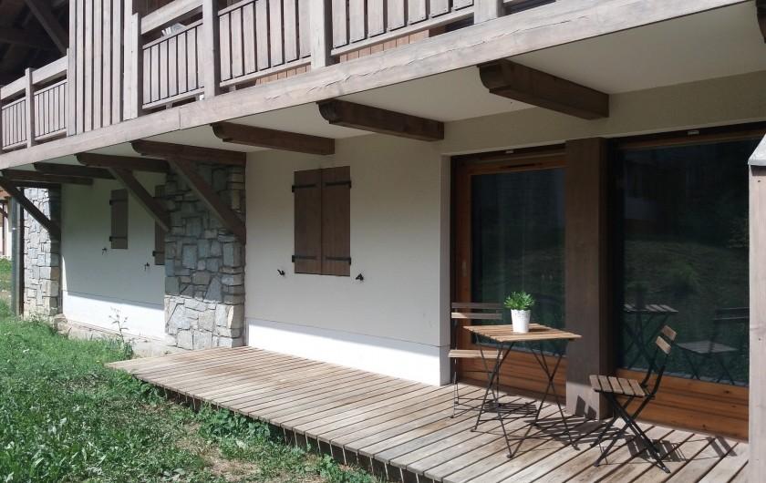 Location de vacances - Appartement à Les Deux Alpes - terrasse, en été