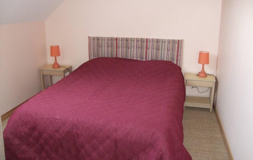Location de vacances - Gîte à Châgnon - chambre avec grand lit