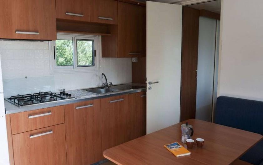 Location de vacances - Bungalow - Mobilhome à Monforte San Giorgio - Cuisine mobilhome
