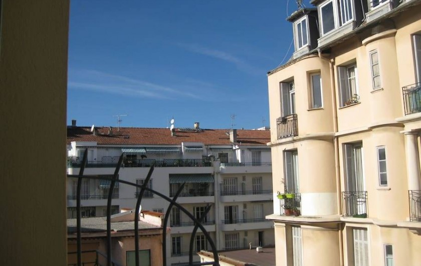 Location de vacances - Appartement à Nice - Vue gauche balcon chambre