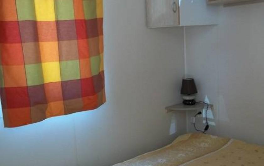 Location de vacances - Bungalow - Mobilhome à Blieux - chambre parentale