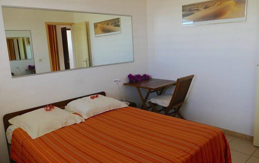 Location de vacances - Appartement à Pointe du Bout - chambre climatisée avec lit double