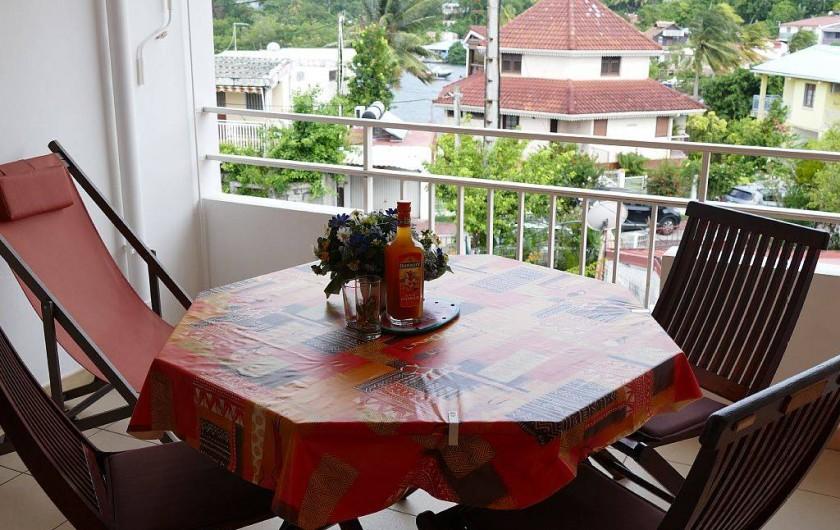 Location de vacances - Appartement à Pointe du Bout - terrasse vers l'extérieur