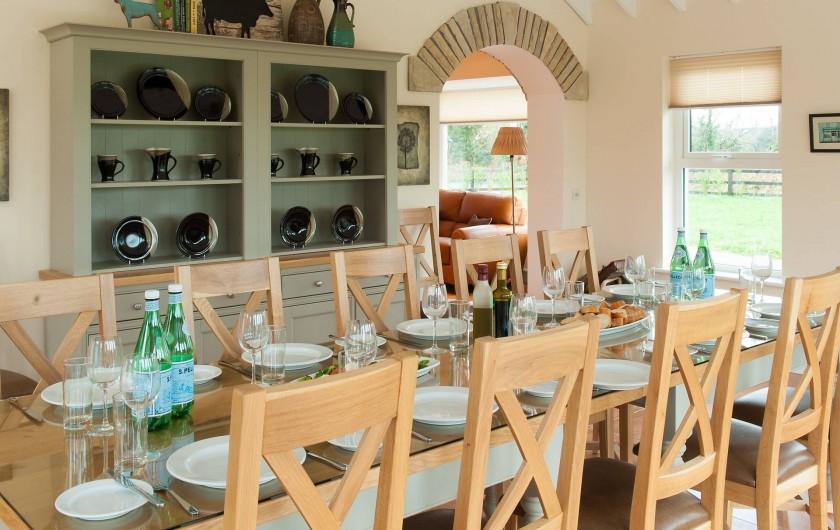 Location de vacances - Mas à Killarney - Dînez ensemble à notre table 10 places