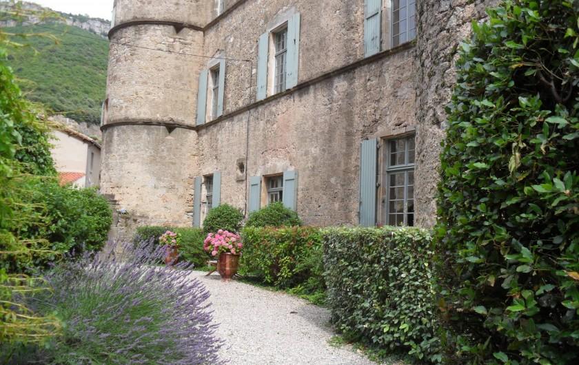 Location de vacances - Château - Manoir à Pégairolles-de-l'Escalette - Façade Nord