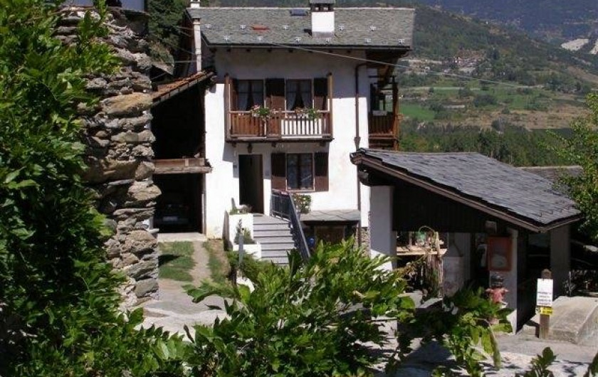 Location de vacances - Appartement à Introd - Entrée  a l appartement , Situe au 2 eme Etage avec bacon sur la cuisine