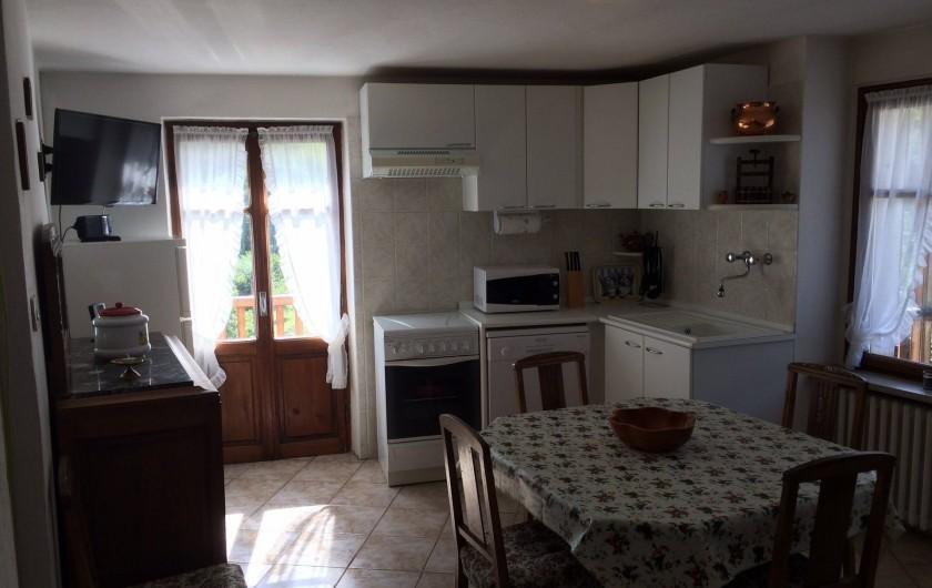 Location de vacances - Appartement à Introd - Cuisine Micro Ondes, gaziniere, lave vaisselle et tout l equipement
