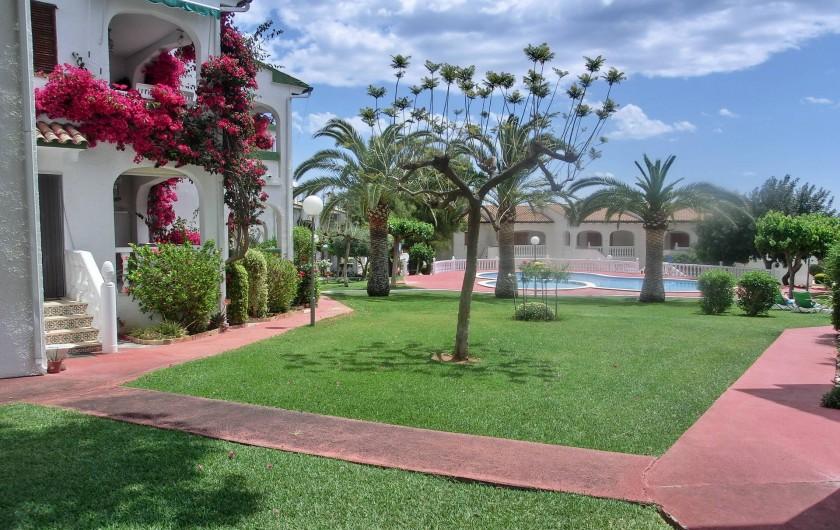 Location de vacances - Appartement à Alcossebre - ARRIVEE DANS LA RESIDENCE PAR LE PARKING
