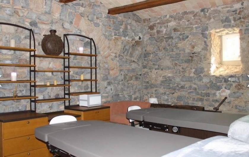 Location de vacances - Chambre d'hôtes à Saint-Félix-de-Pallières - Salle de massage
