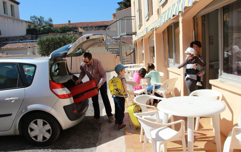 Location de vacances - Hôtel - Auberge à Frontignan - Chambre Familiale en rez-de-chaussée avec terrasse.