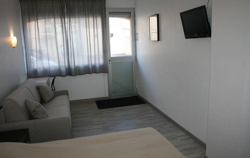 Location de vacances - Hôtel - Auberge à Frontignan - Chambre Double Twin en rez-de-chaussée avec terrasse.