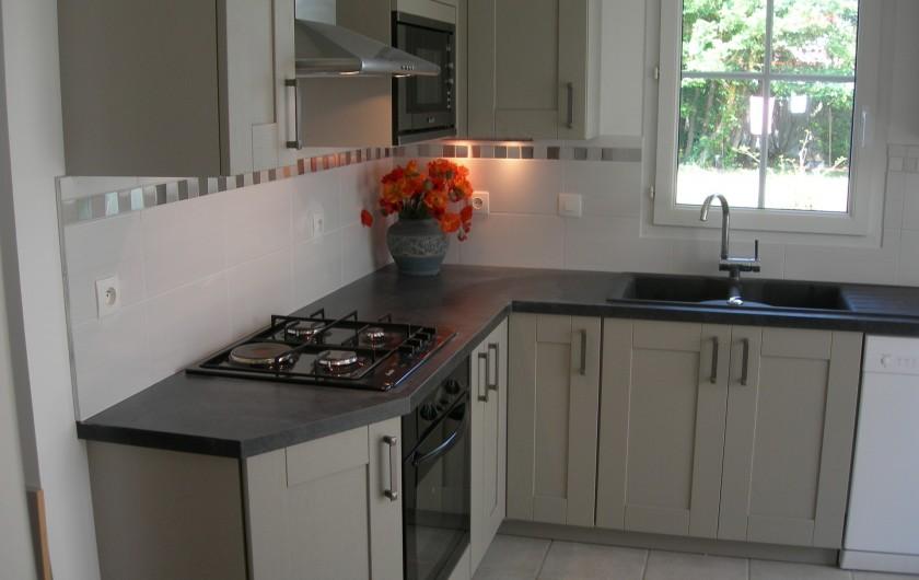 Location de vacances - Villa à La Couarde-sur-Mer - cuisine intégrée séparée équipement très complet