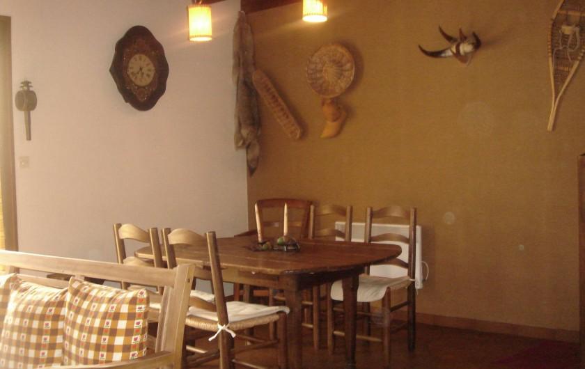 Location de vacances - Chalet à Corrençon-en-Vercors - Coin salle à manger