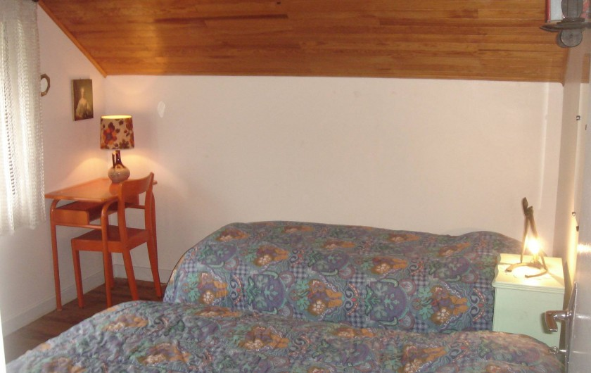 Location de vacances - Chalet à Corrençon-en-Vercors - Chambre avec deux bureaux