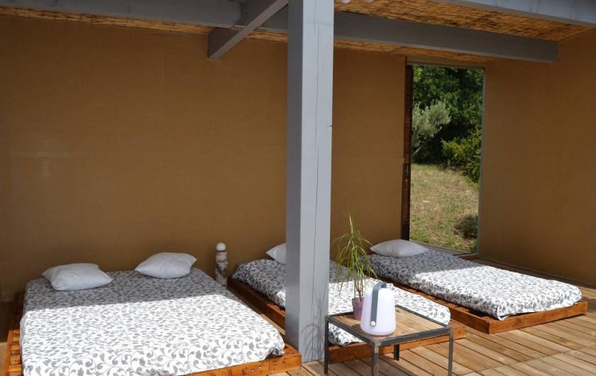 Location de vacances - Chambre d'hôtes à Lacoste - La cabane dans les arbres