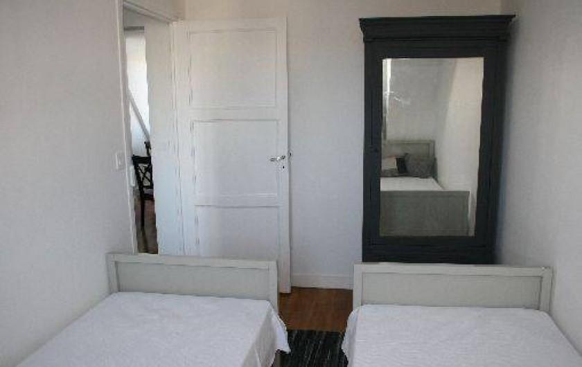 Location de vacances - Appartement à Saint-Malo - La petite chambre coté jardin