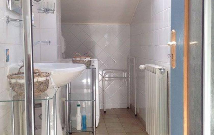 Location de vacances - Appartement à Mirabel - Salle de bain avec douche