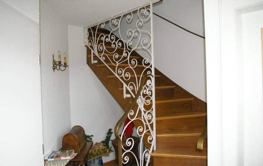 """Location de vacances - Appartement à Thannenkirch - escalier très large pour le          deuxième étage """"LE SAPIN"""""""