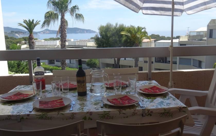 Location de vacances - Appartement à La Ciotat - La Baie des Lecques vue de la loggia