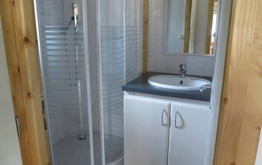 Location de vacances - Chalet à Saint-Laurent-en-Grandvaux - Location de chalets: Cabinet de toilette