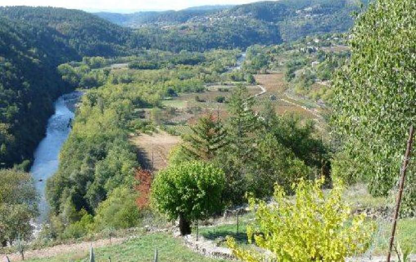 Location de vacances - Maison - Villa à Rosières - vue sur la rivière la Beaume du hameau