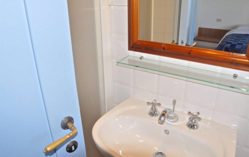 """Location de vacances - Appartement à Castiglione del Lago - Salle de bain app. """"Saturno"""""""