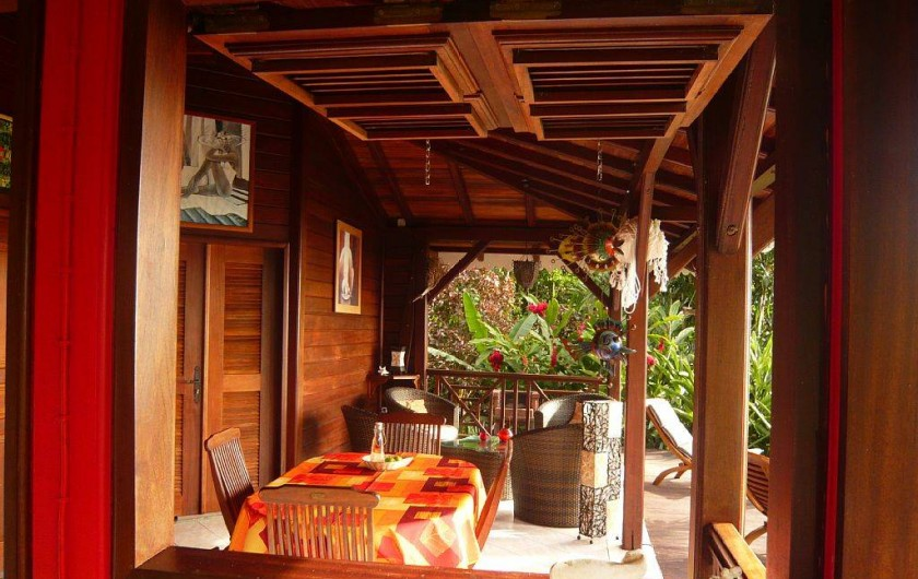 Location de vacances - Gîte à Pointe Noire - Terrasse vue depuis la cuisine