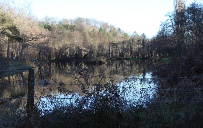 Location de vacances - Chalet à Pompiey - Lac pêche à la mouche
