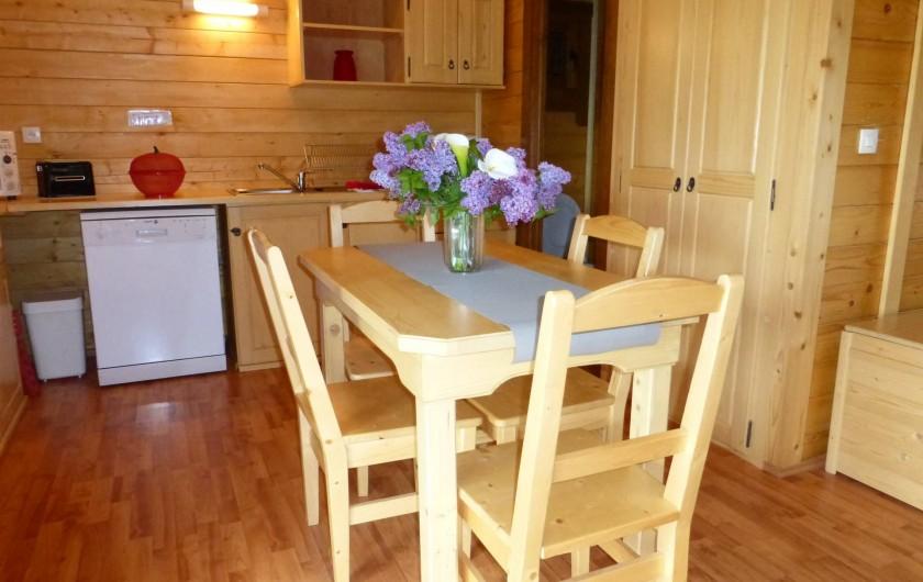 Location de vacances - Chalet à Pompiey - suite coin cuisine