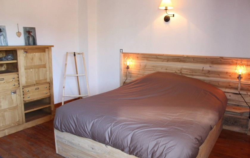 Location de vacances - Gîte à Coucouron - Chambre avec 1 lit en 160 et un lit en 90