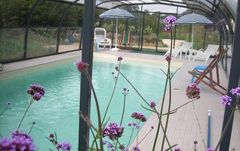Location de vacances - Gîte à La Chapelle-aux-Filtzméens - Piscine couverte et chauffée toute l'année de 9 mètres par 4 mètres
