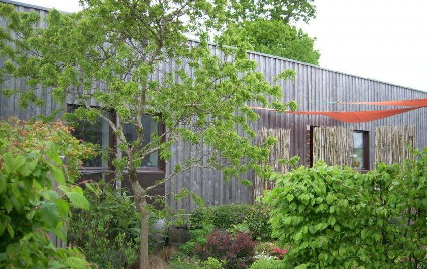 Location de vacances - Gîte à La Chapelle-aux-Filtzméens - La maison de la passerelle  au fond de la propriété pour 5 personnes  3 étoiles