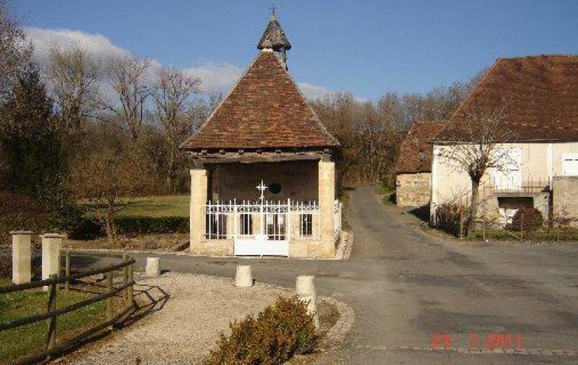Location de vacances - Villa à Azerat - Chapelle Notre Dame de Bonne Espérance du XII siècle