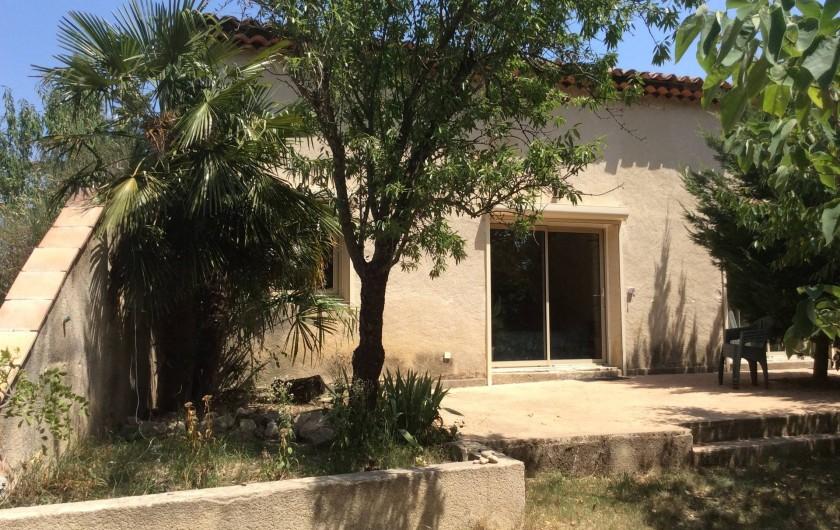 Location de vacances - Chambre d'hôtes à Villelaure - le studio