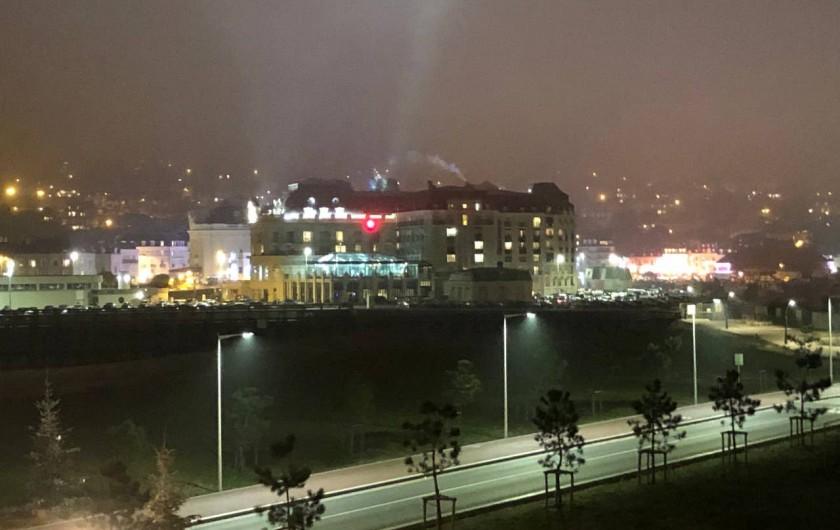 Location de vacances - Studio à Port-Deauville - Vue panoramique sur le Casino de Trouville