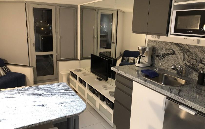 Location de vacances - Studio à Port-Deauville - Cuisine en granit aménagée